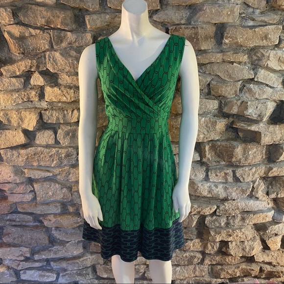 Lands' End Dresses & Skirts - Lands End Green Printed Knit Dress Size XS